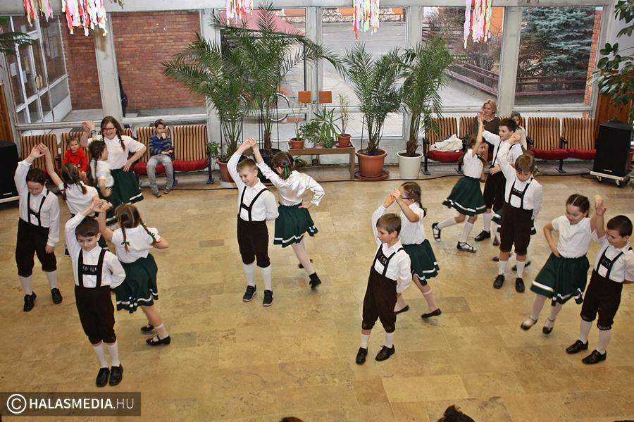 Óvodások vendégeskedtek a Szent József-iskolában