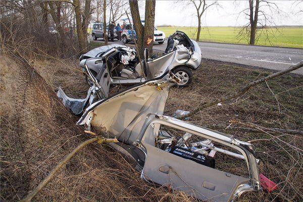 Kisszállási fiatalok haltak meg a balesetben (frissítve)
