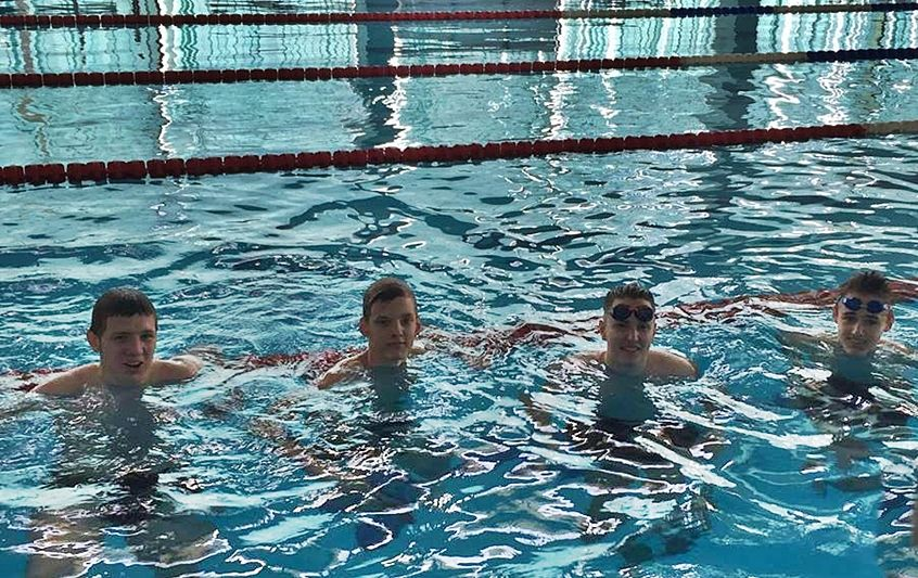 Helytálltak a bibós úszók