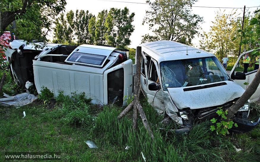Súlyos baleset: 12 sérült