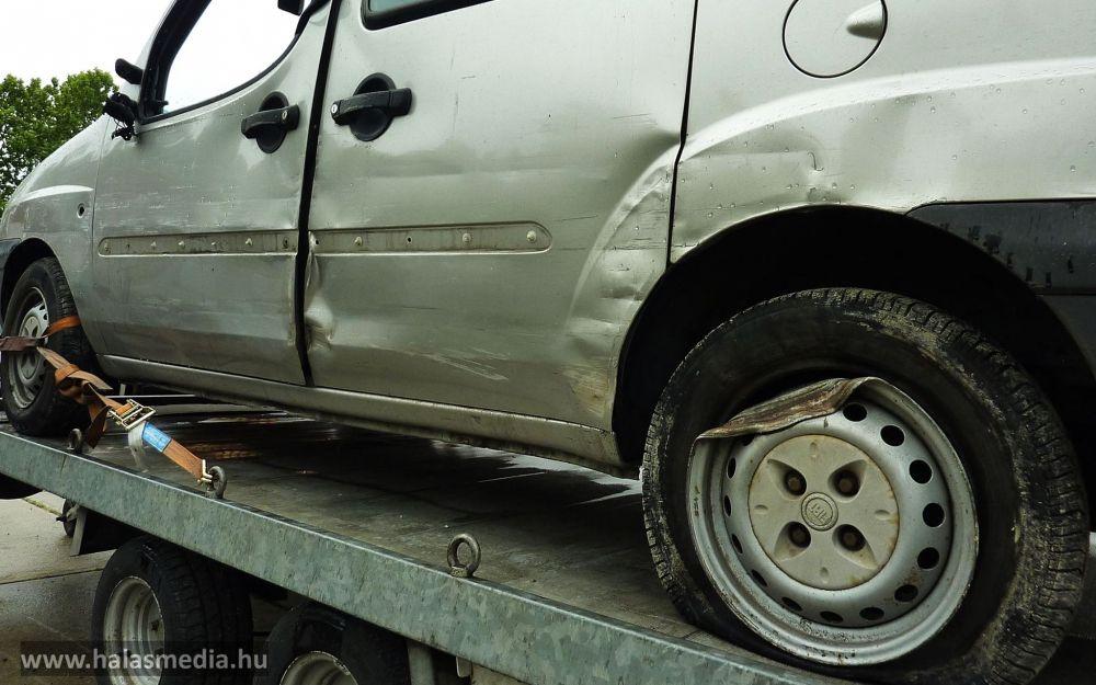 Részegen zúzta szét a Halas TV autóját