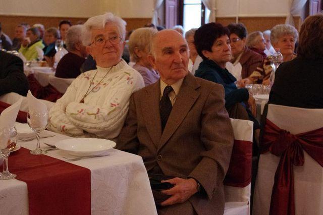 Sok veszély leselkedik az idősekre