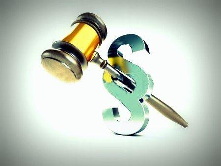 Kenőpénzt kaphatott a bíró