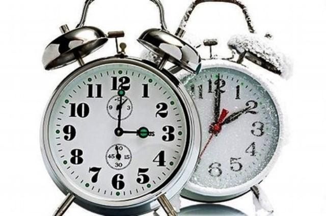 Egy órával többet alhatunk hétvégén