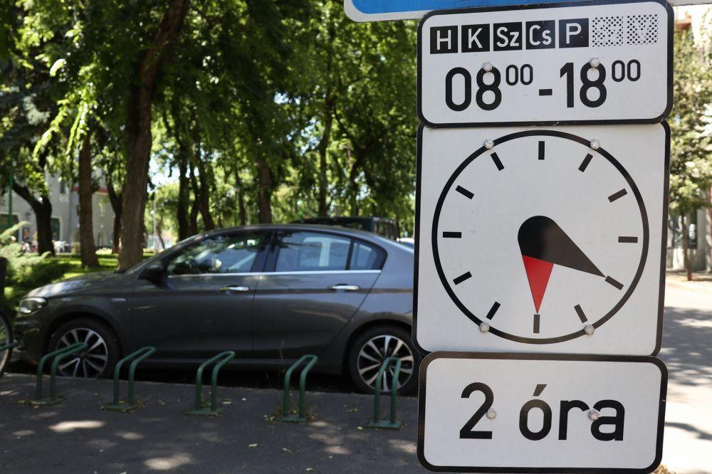 Visszaáll a kétórás parkolási rend