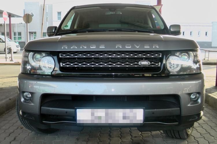Körözött Range Rovert fogtak Tompánál