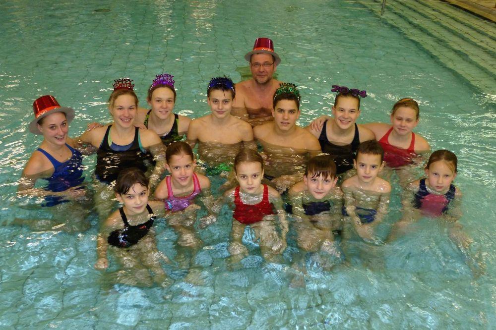 Ranglistavezető halasi úszók