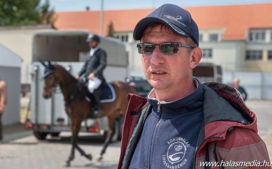 Halasi elnök a lovastornászoknál