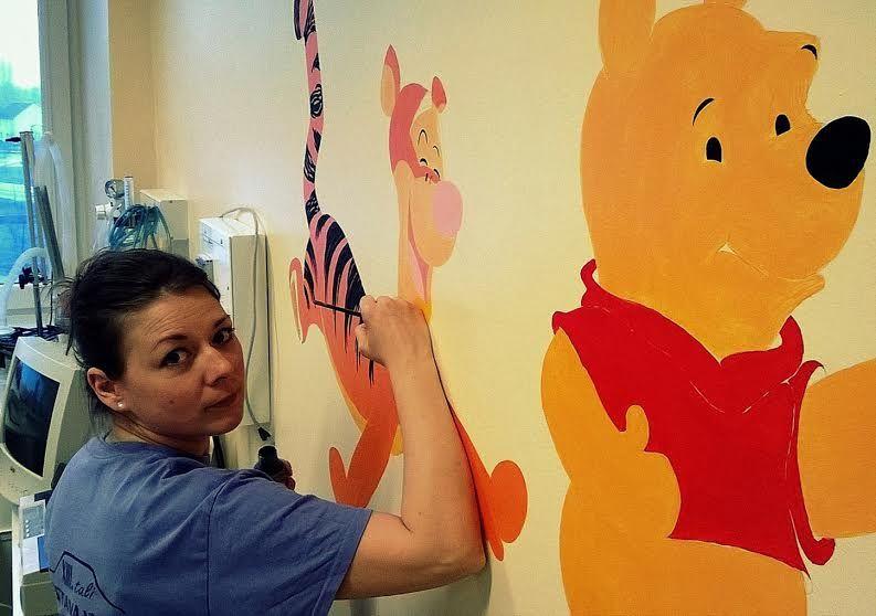 Kórház: jószívű festők, adakozók