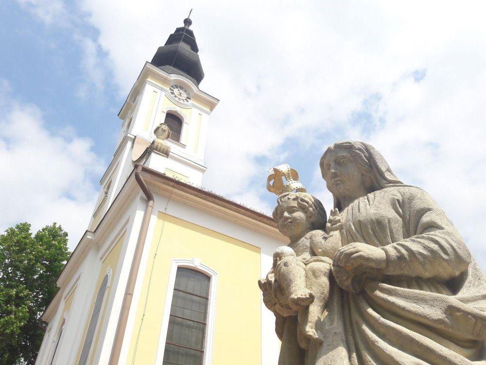 Születésnapra, idősek köszöntésére készül az Alsóvárosi templom