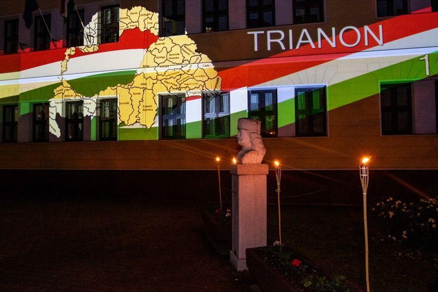 Trianonra emlékeztek a tekósok