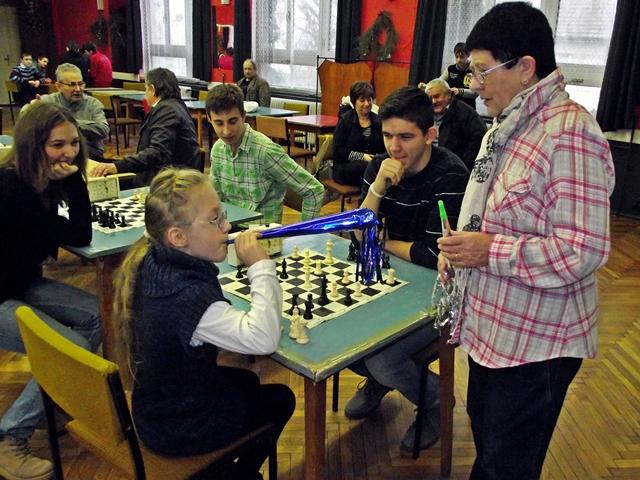 Trombitaszó és újévi sakk (frissítve eredményekkel)