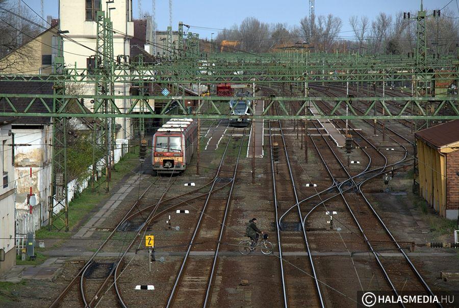"""(►) """"A világ legjobb vasútépítői készítik a Budapest-Belgrád vasútvonalat"""""""