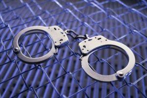 Késsel akart rabolni a 17 éves fiatal