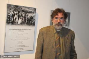 Kiállítás és könyvbemutató