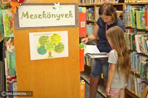 (►) Sok újdonság a halasi könyvtárban
