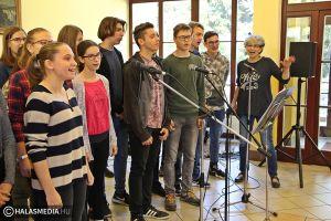 (►) Ilyen volt a Zene világnapja a Szilády-gimiben