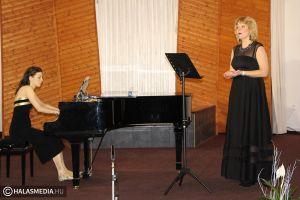 Zongora- és dalest a Baptista Imaházban