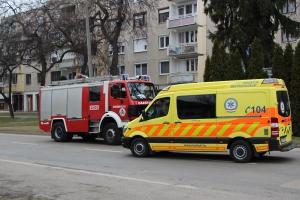 Zárlatos konnektor okozott riadalmat a Kossuth utcán