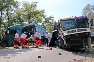 Két kamion ütközött frontálisan Halas közelében
