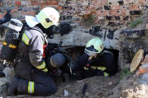 Pincetűz, életmentés is volt a tűzoltógyakorlaton (galéria)