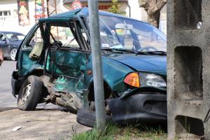 Jeep és Suzuki ütközött a Bernáth-kollégiumnál (galéria)