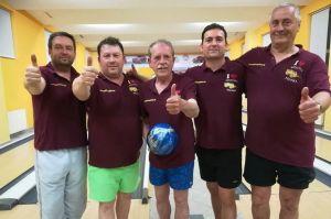 A Szekeres Pálinka a városi bowling bajnok