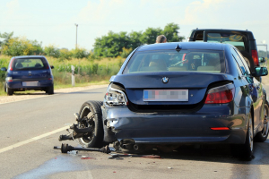 Kiütötte az Opel a BMW bal hátsó futóművét