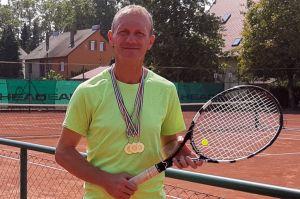 Szenczi Lajos három aranya