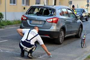 Versenybiciklis fiatalt ért baleset