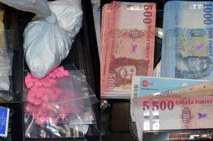 Kábítószert és pénzt foglaltak le Borotán