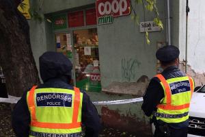 Rablás történhetett a Szilády Áron utcai kisboltban