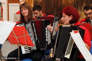 Remek koncertet adtak a kanizsai harmonikabarátok (galéria)