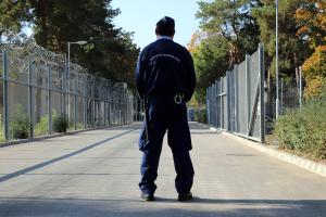 Konténerekkel bővítik a halasi börtön férőhelyeit