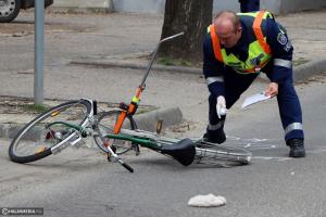 Fejsérüléssel került kórházba az elsodort kerékpáros (galéria)