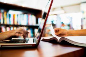 Marad a digitális oktatás a tanév végéig
