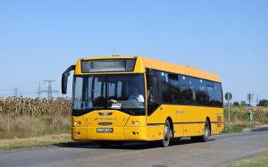 Változó buszmenetrend, új megállóhely a Szabadkain