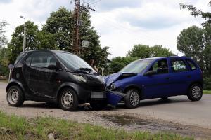 Opel és egy Smart ütközött a Keceli úton