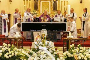 A halasiak is elbúcsúztak Józsi atyától