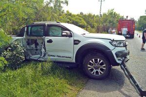 Terepjáró csapódott egy villanyoszlopnak Kiskunmajsa közelében