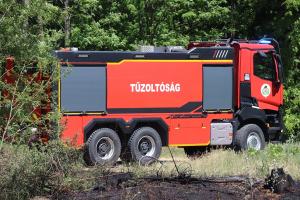A halasi tűzoltókat is riasztották: kigyulladt a vaskúti hulladéktelep