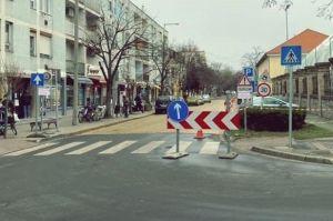 Egyirányú marad a Thúry József utca