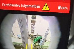 A halasi kórházban tesztelték a fertőtlenítő robotot