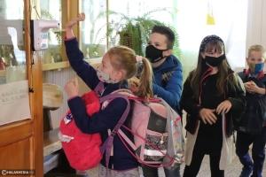 Visszatértek a diákok a Fazekas-iskolába (galéria)