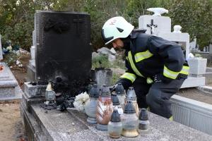 Kisebb tűz volt a katolikus temetőben
