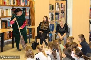Varázslat a könyvtárban