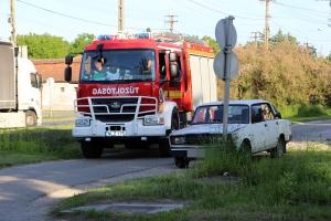 Kigyulladt egy Lada motortere