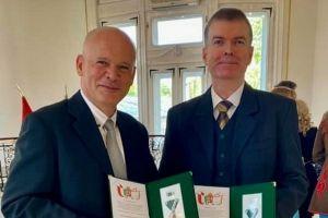 Elismerték Dr. Tallós Bálint és Tóbiás Ferenc munkáját