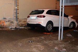 Ukrán embercsempész ütközött lopott autóval a falnak Mélykúton