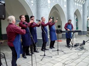 Bordalok a Bartók Béla Férfikar Esszenciájától
